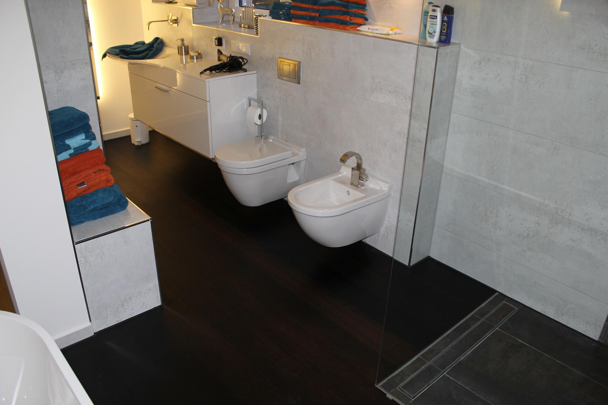 Fußboden Bad Lauchstädt ~ Holzfußboden im bad der fußbodenspezialist in und um leipzig